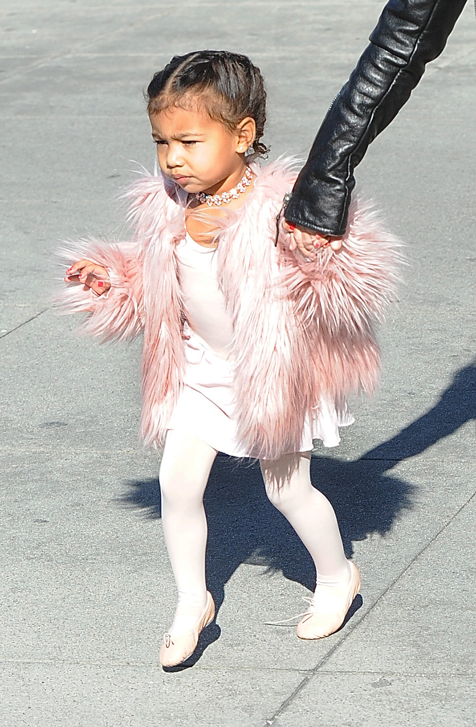 1450300083-elle-north-west-pink