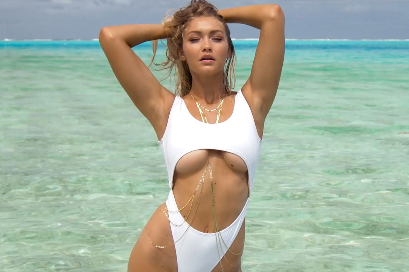 gigi-hadid-uncovered-2016-sports-illustrated-swimsuit-issue-00